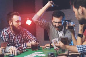 德州撲克與無限注德州撲克策略分析